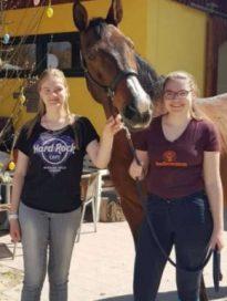 Yulia und Victoria